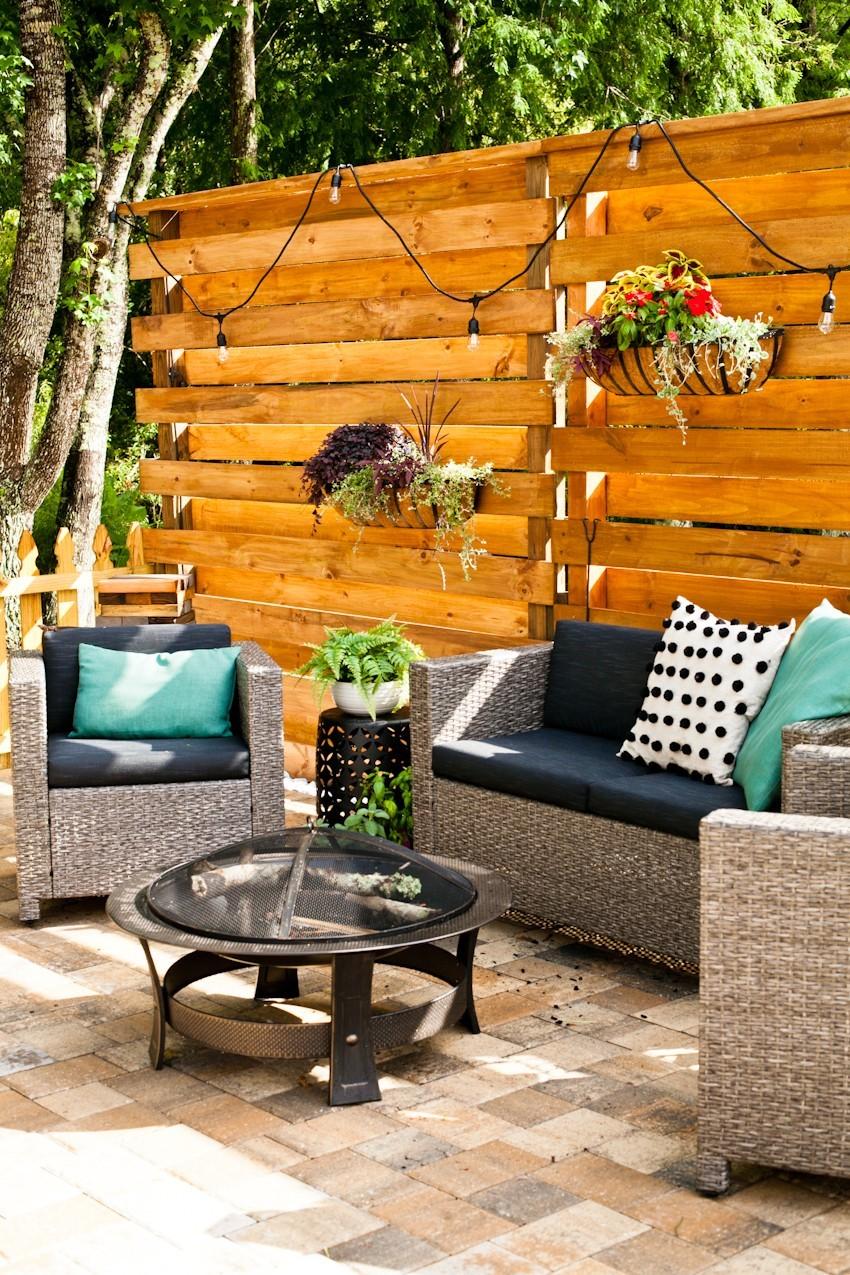 DIY Horizontal Slat Fence featured by popular Florida lifestyle blogger, Fresh mommy Blog