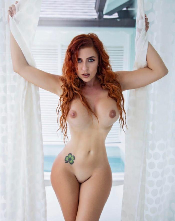 Аманда Николь грудь