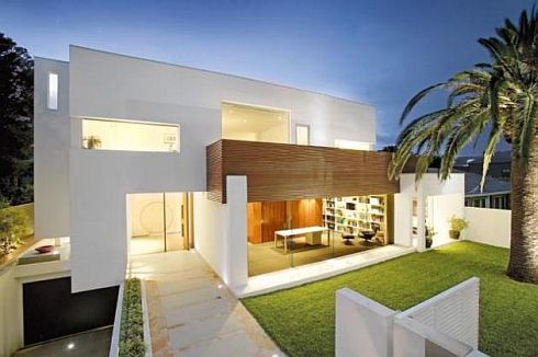 brighton house by nic bochsler 2 Brighton House: Lavish Melbourne home with plenty of glass and class
