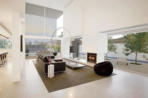 brighton house by nic bochsler 3 Brighton House: Lavish Melbourne home with plenty of glass and class