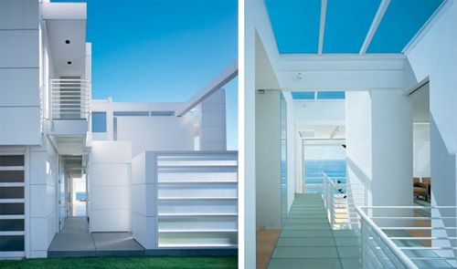 Modern White Beach House by Richard Meier