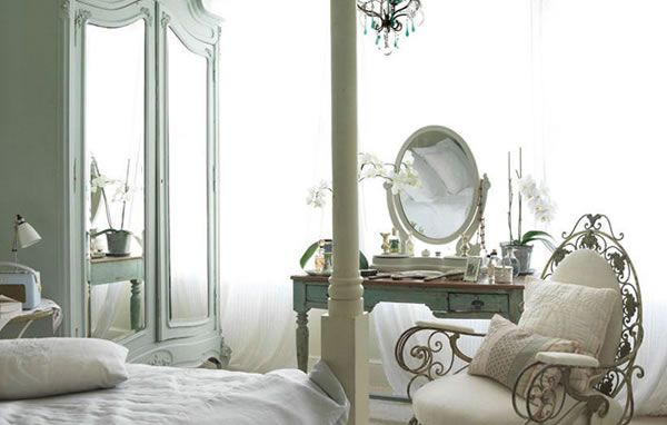 London House With a French Style Interior 12