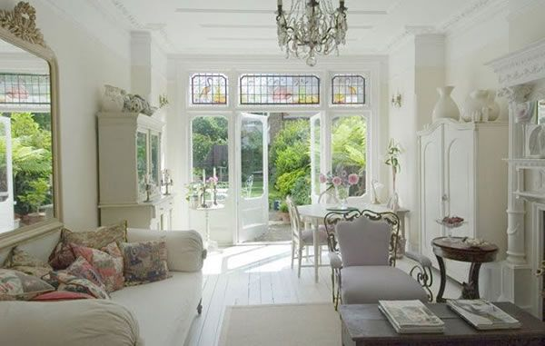 London House With a French Style Interior 5