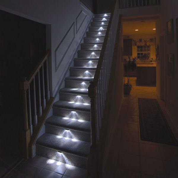 StrLghtBsKt 41195 L02 Light Up Your Stairway