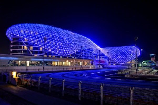 The YAS Hotel by Asymptote Architecture 2 600x400 The Largest LED Architecture Project in The World: Yas Hotel in Abu Dhabi