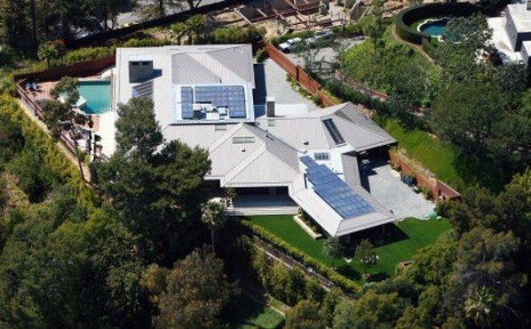 jennifer aniston house279012 Jennifer Anistons New Eco Abode in Beverly Hills