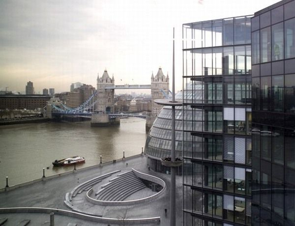 PwC on Thames1 New Pricewaterhouse Coopers Green Office Building in London