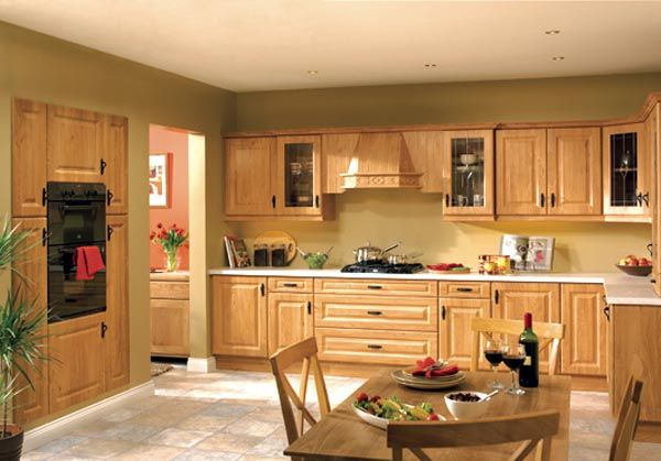 Calcutta Pippy Oak1 25 Inspiring and Delightful Traditional Kitchen Designs