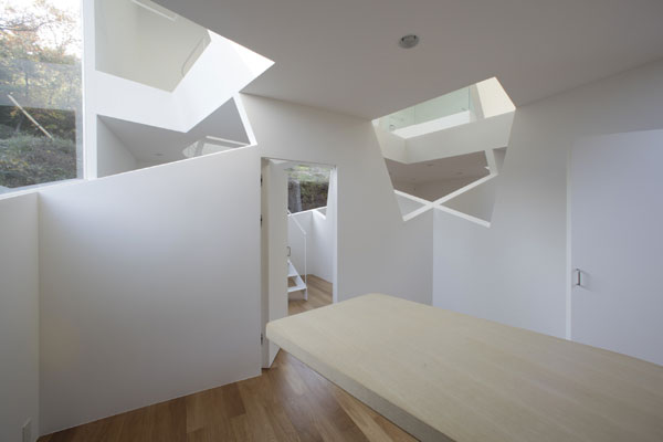 MG 5090 Villa Kanousan, Amazing Cube Home in Japan
