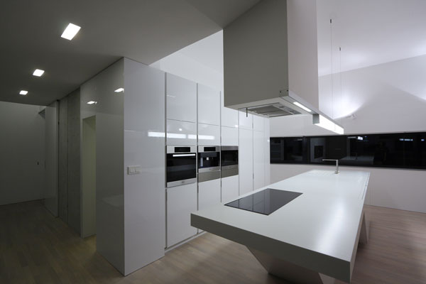 1282928763 22 kitchen night1 Unusual Looking Residence in Slovakia : Dom Zlomu