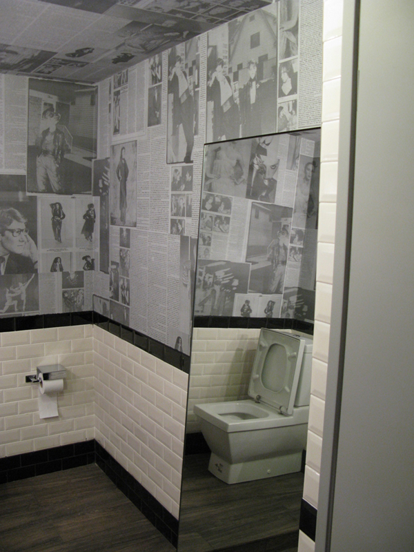 MoodSwings Bath room Apartment Store in Moscow Inspired by Alice in Wonderland
