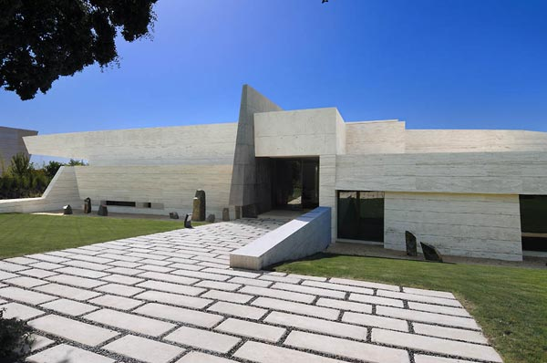 beautifu home architecture building acero archiects exterior Amazing House That Offers the Maximum Life Quality by A cero