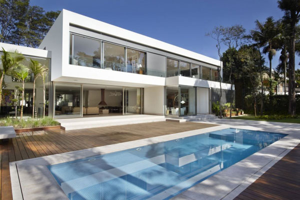 mr 300810 04 940x6261 The Morumbi Residence: Exotic Landscapes and Diverse Interior Design