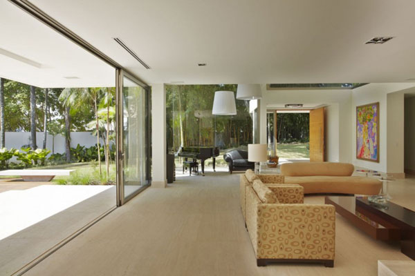 mr 300810 32 940x6261 The Morumbi Residence: Exotic Landscapes and Diverse Interior Design