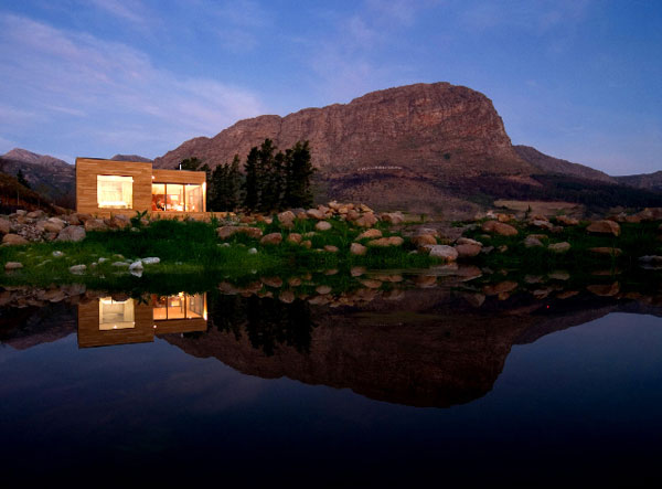 amazing residence2 Compact Residence Embedded in a Dreamy Landscape: The Ecomo Home
