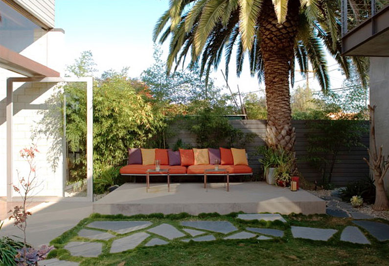 Inexpensive Landscaping Ideas to Beautify Your Yard ... on Cheap No Grass Backyard Ideas  id=82061