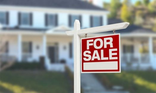 Realtors sell homes for more money.
