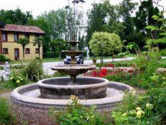 Hotel Garden Fountain