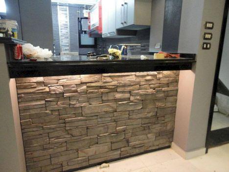 Stone Bars In Eat In Kitchens