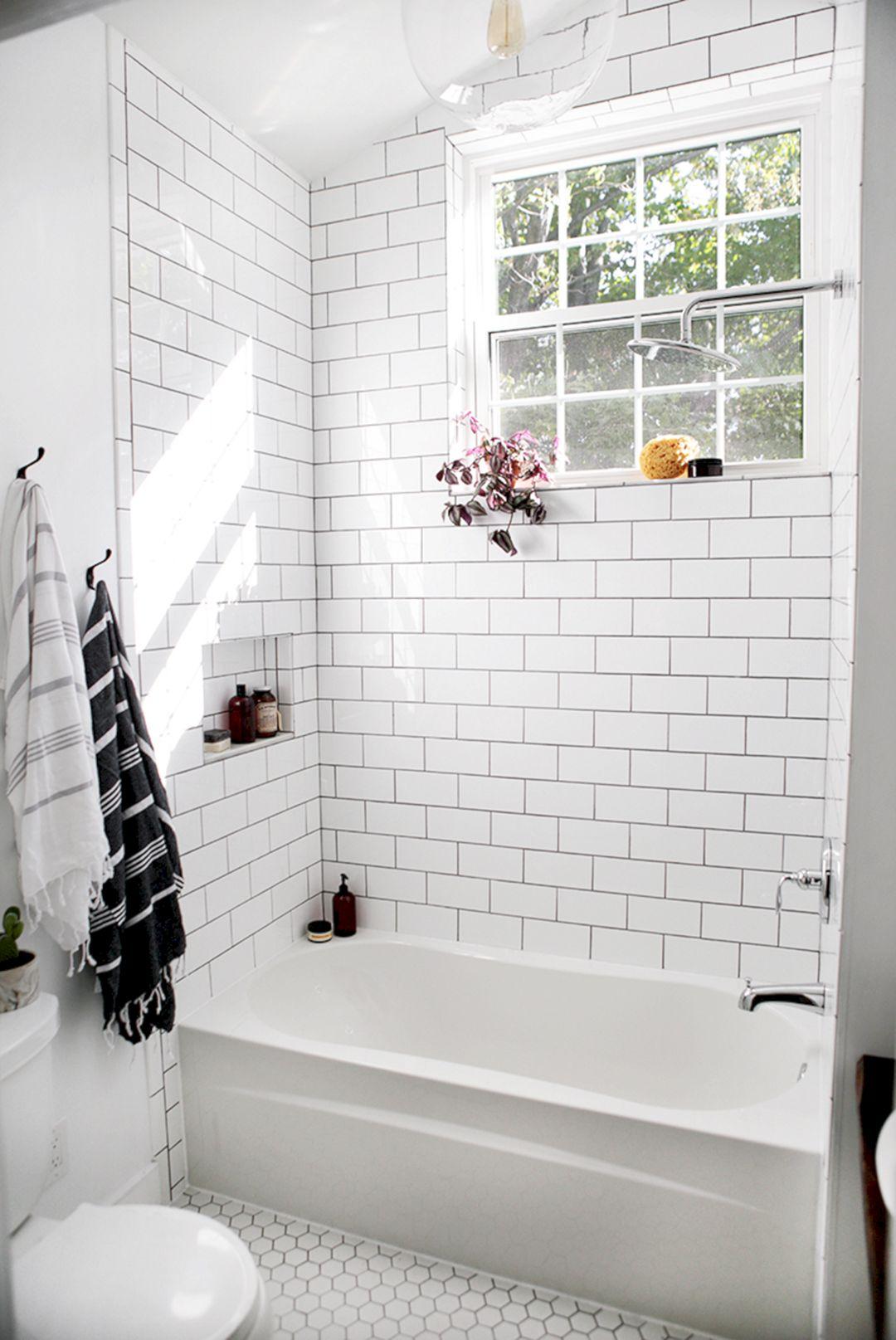 Traditional Bathroom Tile Ideas (Traditional Bathroom Tile ... on Bathroom Tile Designs  id=17844
