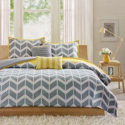 Decorating Romantic Bedrooms Idea