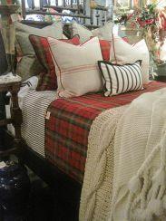 Awesome Christmas Bedroom Design 48