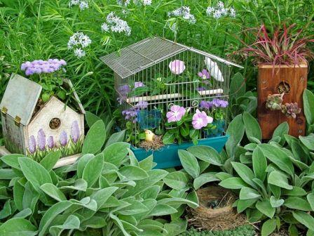 Container Garden Birdhouse
