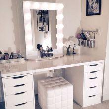 DIY Makeup Vanity Design Ideas 28