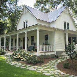Gorgeous Farmhouse Front Porch Ideas 12
