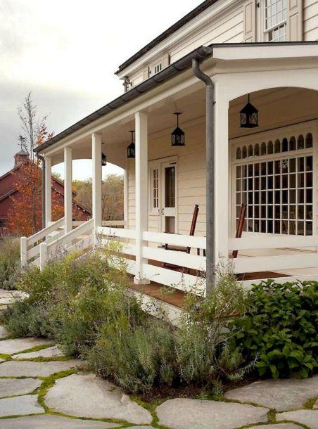 Gorgeous Farmhouse Front Porch Ideas 124