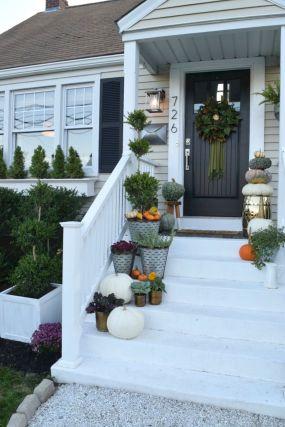 Gorgeous Farmhouse Front Porch Ideas 125