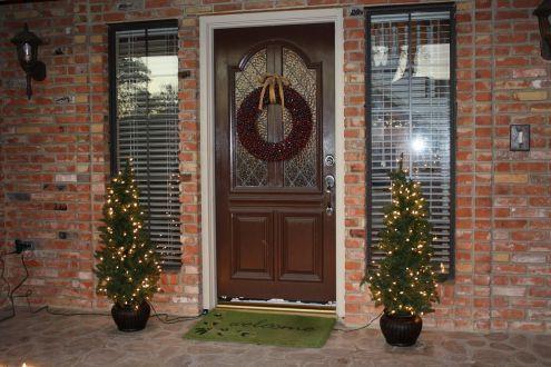 Christmas Door Decorating Ideas For Exterior