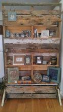 DIY Wood Pallet Room Divider