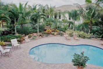South Florida Pool Landscaping Idea