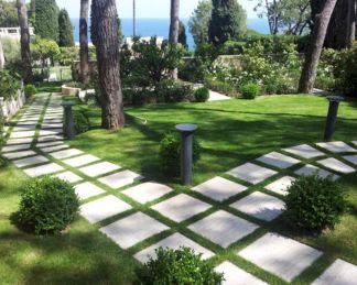 Stepping Stone Path Design Ideas