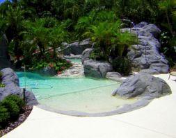 Back Yard Swimming Pools