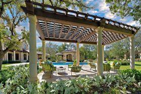 Backyard Living Space Design Ideas 12