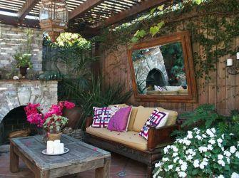 Backyard Living Space Design Ideas 17