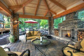 Backyard Living Space Design Ideas 32