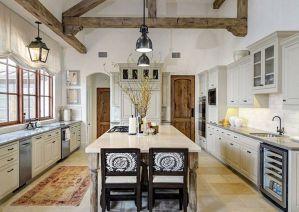 Farmhouse Decoration Ideas 14