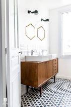 Modern Vintage Bathroom Ideas 24