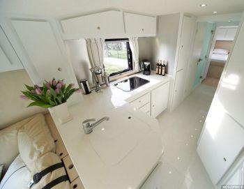 Luxurious Motorhomes Interior Design 12