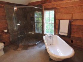 Rustic Bathroom Decorating Ideas 15