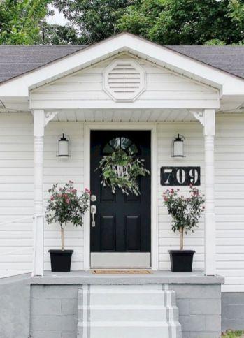 Tiny Front Porch Decorating Ideas 117