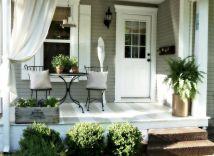 Tiny Front Porch Decorating Ideas 127