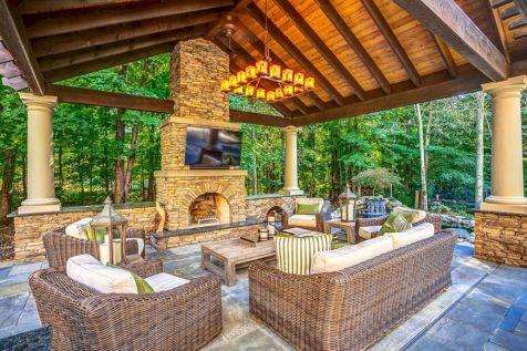 Backyard Living Space Design 13