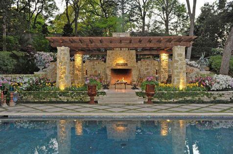 Backyard Living Space Design 6
