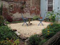 Gravel Backyard Design Ideas 3