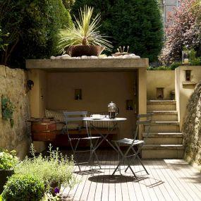 Backyard Garden Ideas With Seating Area 2