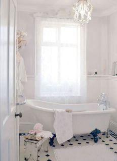 Chic Bathroom Ideas 10
